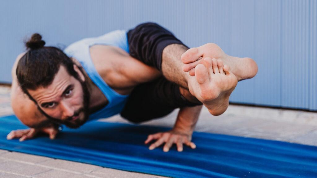 Combate tristeza o depresión con los beneficios del yoga.